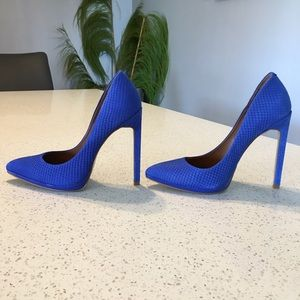EUC Cobalt Blue Alligator Crocodile Snakeskin Pump